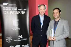 Gustav Alink junto al Director Artístico del Premio, Juan Lago
